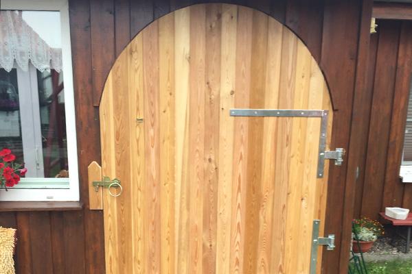 Individuelle Holztüren für Außen- und Innenbereiche